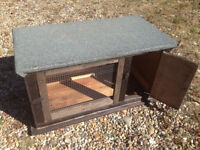Rabbit Hutch or Guinea pigs good condition suitable up to 2 rabbits