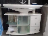 Wash basin and unit