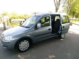 VAUXHALL COMBO WHEELCHAIR ADAPTED DIESEL