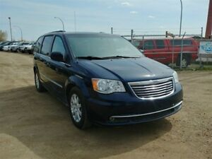 2015 Chrysler Town & Country 3.6L V6 Stow N Go!! Power Doors Bac