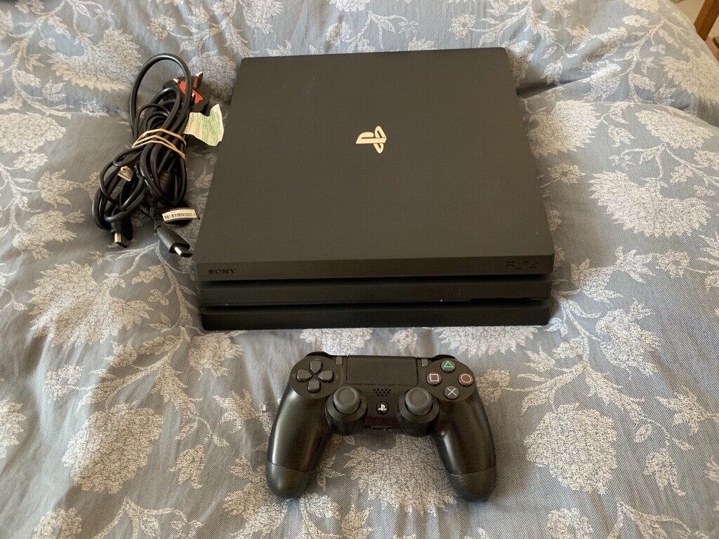 ALMOST NEW PS4 PRO 1TB WITH CONTROLLER AND ALL CABLES FULL WORKING ORDER  £260 NO OFFERS CAN DELIVER | in Stratford, London | Gumtree