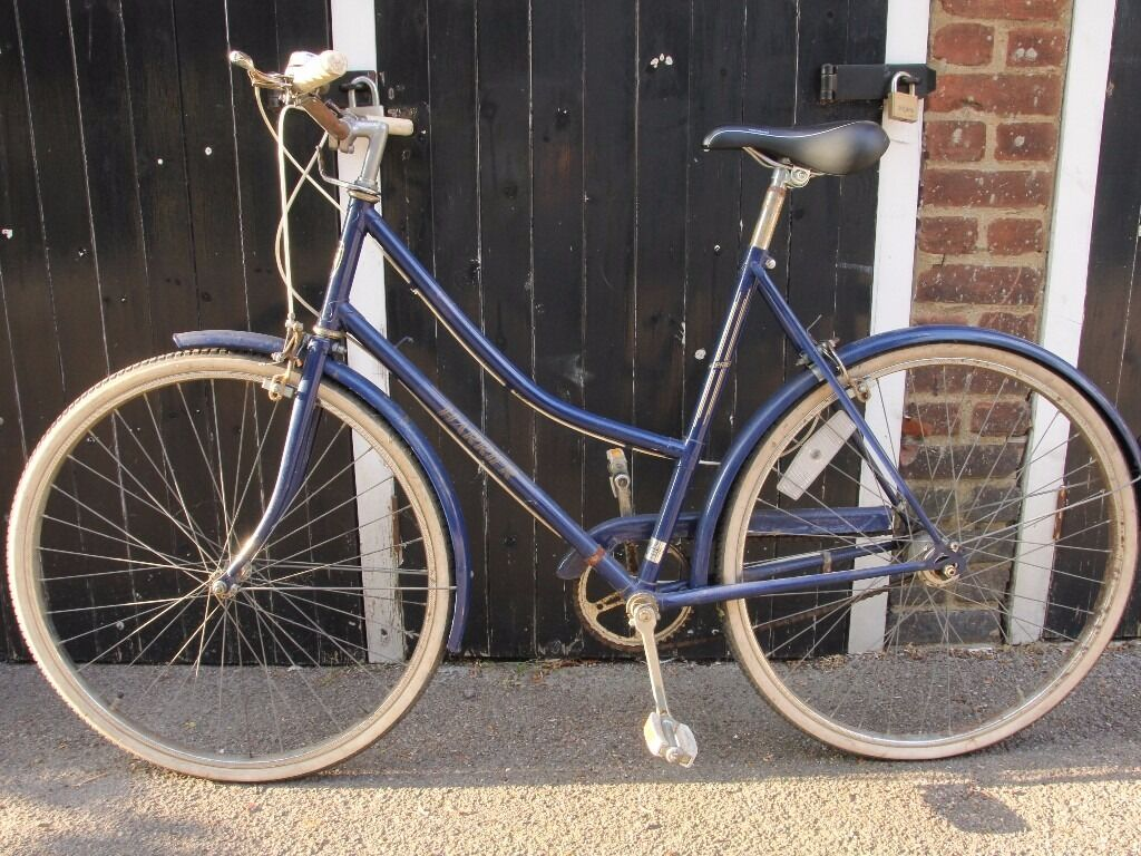 Ladies Vintage style Road bikein New Cross, LondonGumtree - Ladies vintage style Harrier road bicycle. Perfect for riding around town. Comfortable upright riding style, and three gears. In working condition, with a little light rust. Please contact me if you would like to come look at it