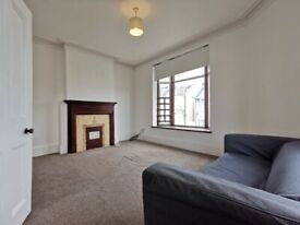 Large First Floor Flat featuring a separate Double Bedroom