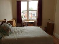 JESMOND, PROFESSIONAL HOUSESHARE. LARGE DOUBLE BEDROOM, IN QUIET LOCATION, NEAR FACILITIES