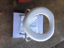 Foldable portal camping toilet
