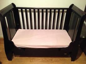Tutti Bambini Katie Cot Bed (Free shelf unit)