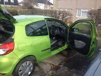 Renault Clio 2010 1.2 petrol nice green colour