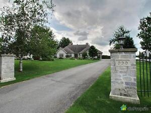 899 000$ - Bungalow à vendre à Roxton Pond