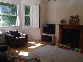 Newly renovated period 2 bed flat near Ealing Station