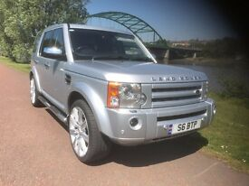 DISCOVERY 3 HSE WITH BODY KIT AND 22 INCH UPGRADED ALLOYS IN SILVER