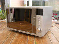 Microwave Oven/Grill Morphy Richards 800W - Excellent Condition
