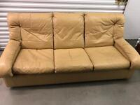 FREE sofa can drop off in the Croydon Area