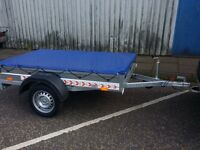"""Trailer cars (6' x 4' x 1,2"""") and cover free - £400 inc vat certificate for left-hand traffic"""