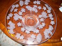 Stunning Engraved Glass Floral Round Trinket/ Pot pouri Display Dish - Medium to Large size