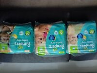Pampers nappies (size 5-6)