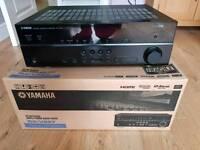 Yamaha RX-V667 surround sound receiver amp