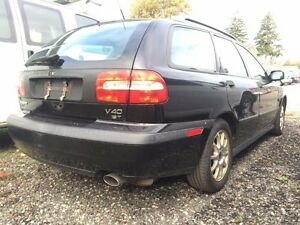 2002 Volvo V40 AS IS-Sunroof-Hatch-Leather-Pwr Wdws/Drs/Lcks/Mrr London Ontario image 2