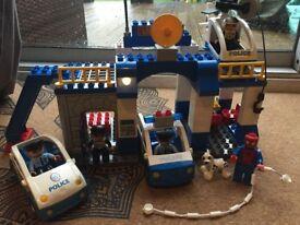 LEGOVILLE DUPLO POLICE STATION 5681 & SPIDERMAN W/ EXTRAS