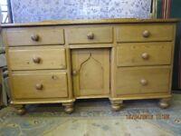 Period Georgian sideboard/dresser base C 1830-1850s. Beautiful condition.