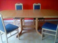 Extendable dining table, 4 chairs great condition.