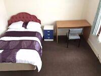 Double room walking distance to Uxbridge Tube Station £400.00