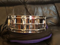 Ludwig LM400 Supraphonic Snare Drum (1967) with soft case