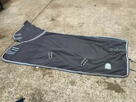 6'9 grey kadence fleece, with neck. EXCELLENT CONDITION, just cleaned.