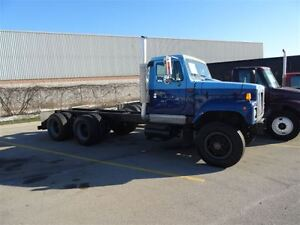 2000 International 2574 Heavy Spec Cab and Chassis -