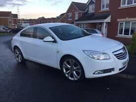 Vauxhall Insignia SRI diesel, LOW MILEAGE White