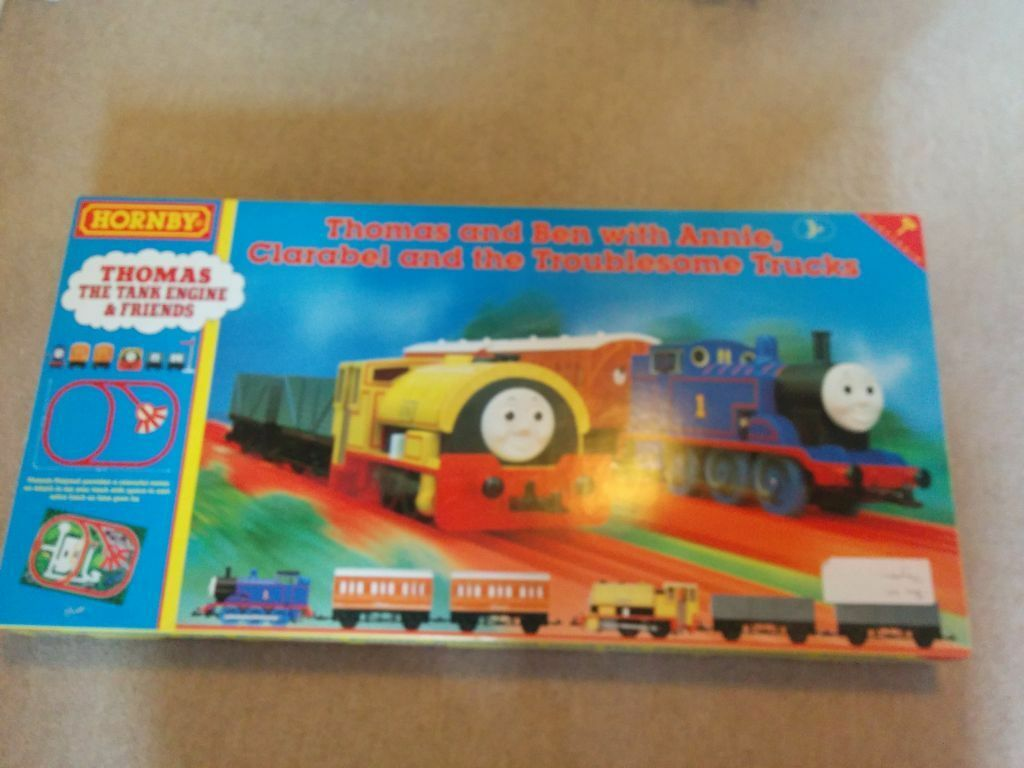 Hornby Thomas And Ben Play Train Set Clockwork In
