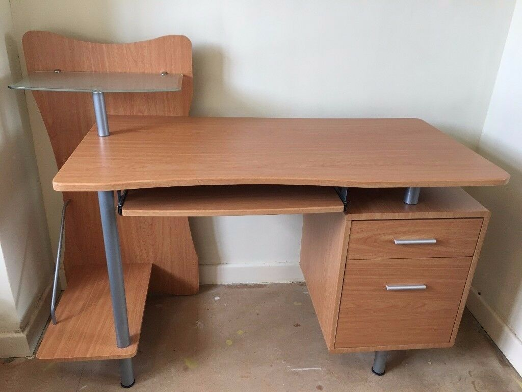 compuer desk with printer shelf in excellent condition