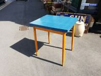 VINTAGE 1950'S BLUE FORMICA EXTENDING KITCHEN TABLE