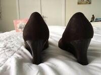 Brown Suede Wedge Shoes Size 9