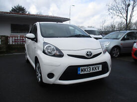 2013 toyota aygovvt- ice 998 cc 5 door comes with 12 months mot looks and drives excellent