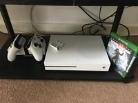 Xbox One S 1TB 2xcontrollers docking station + Game Latest Tomb Raider