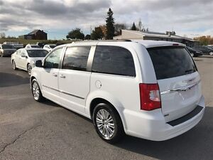2015 Chrysler Town & Country Touring - MUST SEE VERY CLEAN Belleville Belleville Area image 2