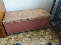 Ottoman / storage chest
