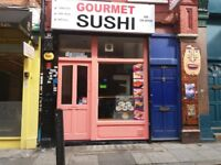 EXPERIENCED SUSHI CHEF REQUIRED TO IMMEDIAT START IN BUSY TAKE AWAY SHOP LOXATED IN ALDGATE EAST.