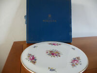 Royal Worcester Cake Plate in very good condition