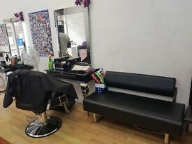 Urgent hairdresser or barber to hire chair per week £70-80