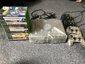 Xbox Original with 4 controllers and games