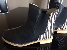 Joules Chelsea boots