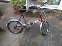 LADIES FOLD AWAY BIKE (GREAT BIKE FOR A STUDENT THIS BIKE) LOVELY BIKE TO COMMUTE ON, SERVICED ALSO