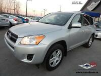 2011 Toyota RAV4 Base * SUN ROOF *
