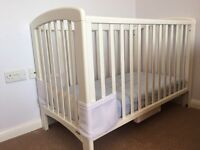 White Wooden Cot with Mattress/Sheets/Bumper