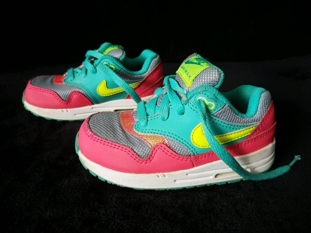 wholesale dealer d0733 63396 Nike Air Max toddler trainers. Size 7.5 UK 25 eur.