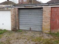 kingswood lock up garage to rent