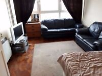 MASSIVE ROOM IN STRATFORD. WITH OWN BALCONY couples welcome