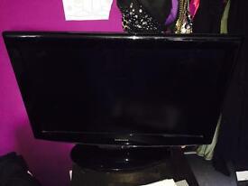 32 inch black Tv