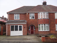 All inclusive rent in lovely professional house close to the University